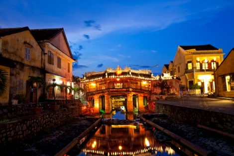Japanese Bridge in Hoi An by night