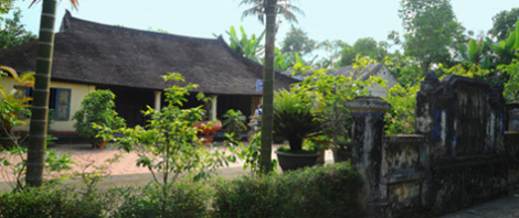 Hue's traditional crafting houses