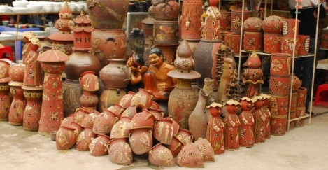 Many diffrence types of pottery product
