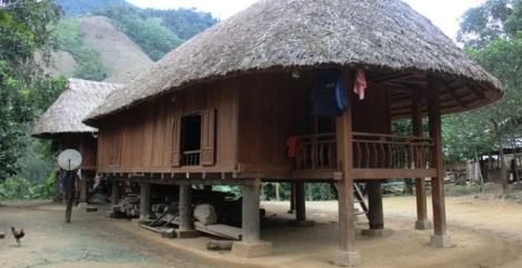 Bru - Van Kieu Ethnic Village